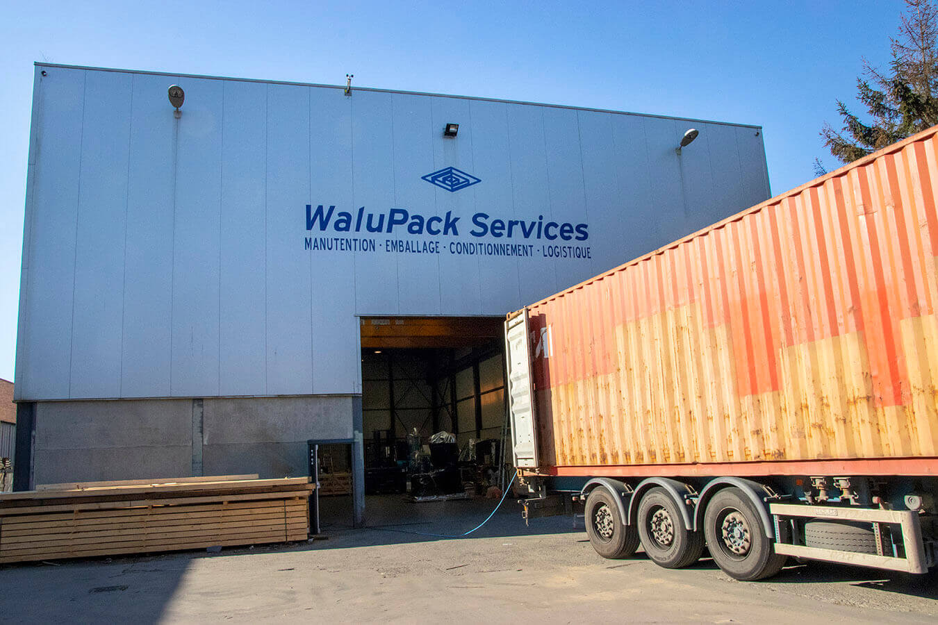 WaluPack Services : Our team of professionals has powerful equipment