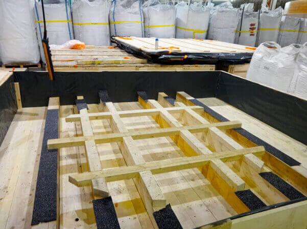 walupack-services-productie-van-zeewaardige-distributiekisten-voor-koper-coils