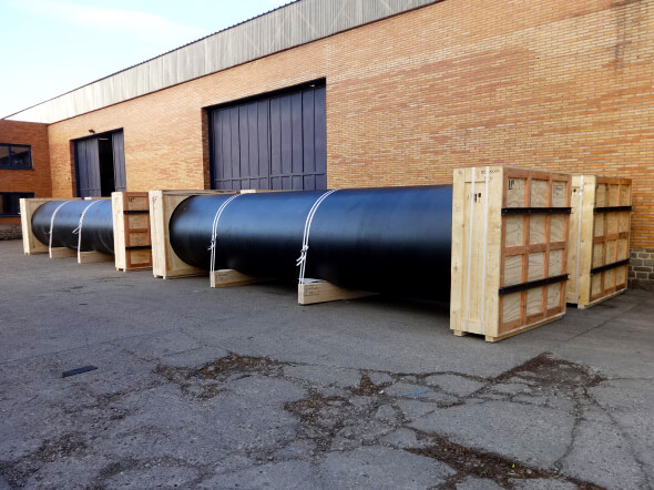 walupack-services-protection-pour-un-transport-aerien-de-tuyaux-en-fonte