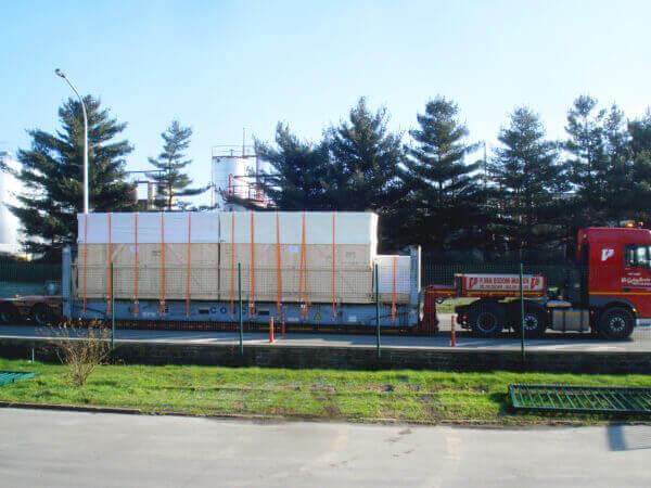 walupack-services-stuwen-op-een-flat-rack-container