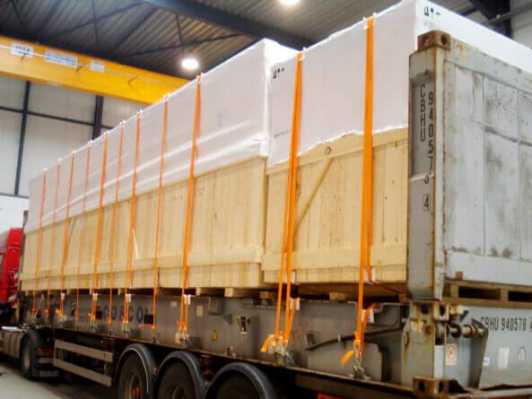 walupack-services-ladungssicherung-auf-einem-flat-rack-rontainer-2